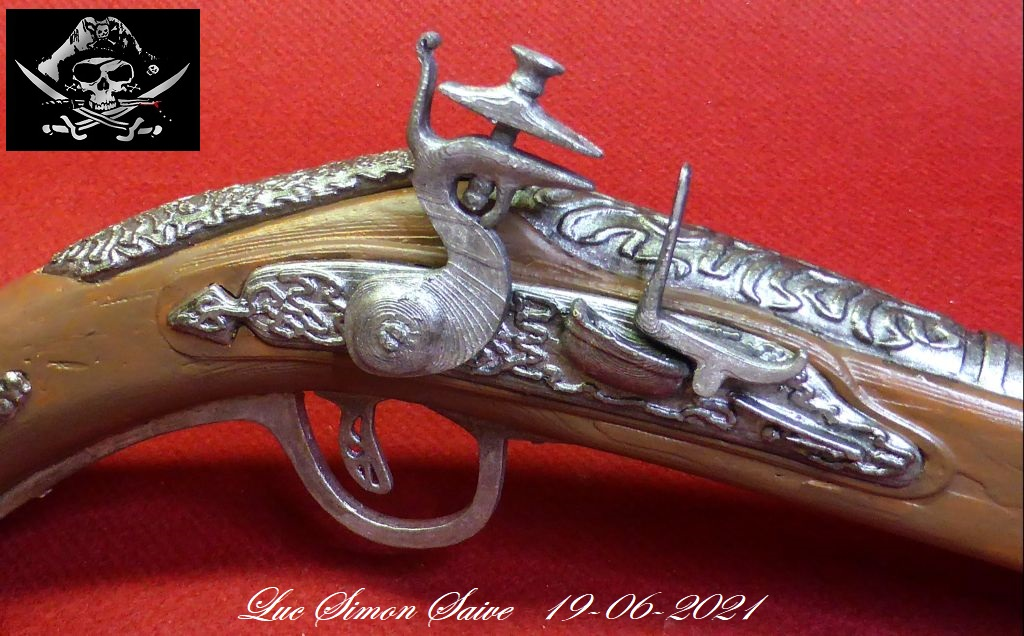 Impression 3D FDM: le pistolet pirate - Page 2 Pistol27