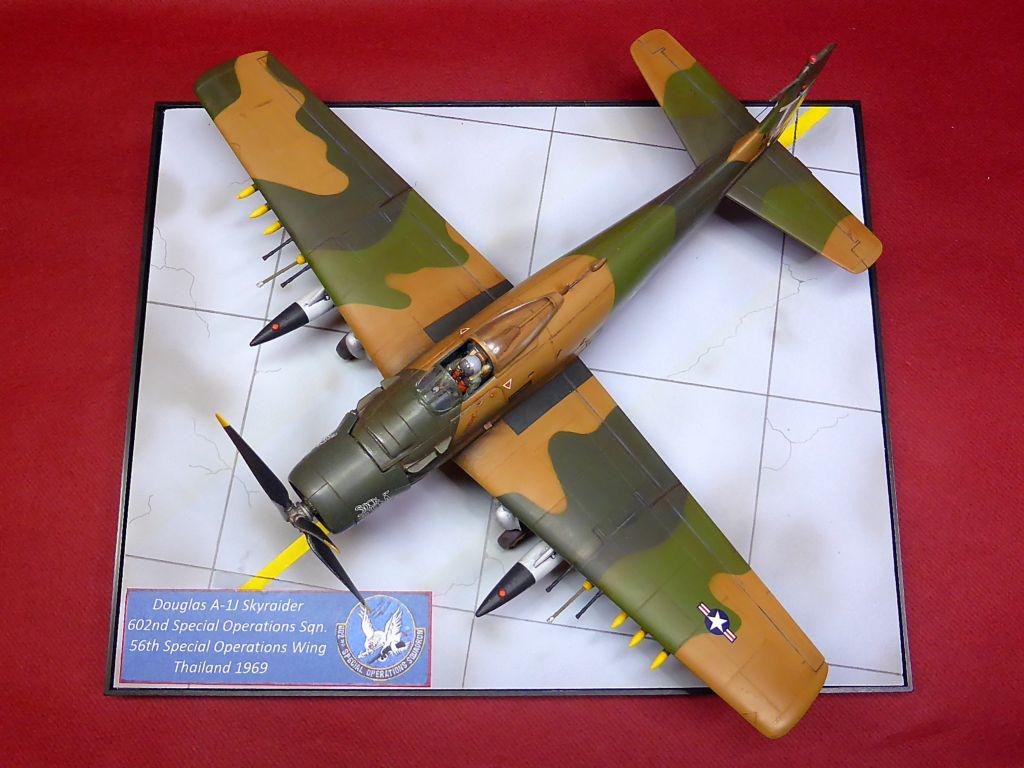 [TAMIYA] Douglas A1 Skyraider: rénovation d'un souvenir - Page 6 Skyr9810