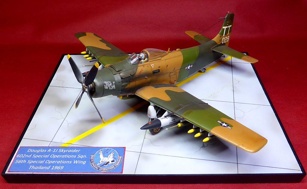 [TAMIYA] Douglas A1 Skyraider: rénovation d'un souvenir - Page 6 Skyr9910