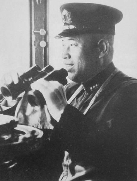 Jumelles officier marine impériale 7x50  Admira10