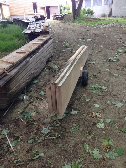 Comment transportez vous-même des planches lourdes à travers l'atelier? Img_3610