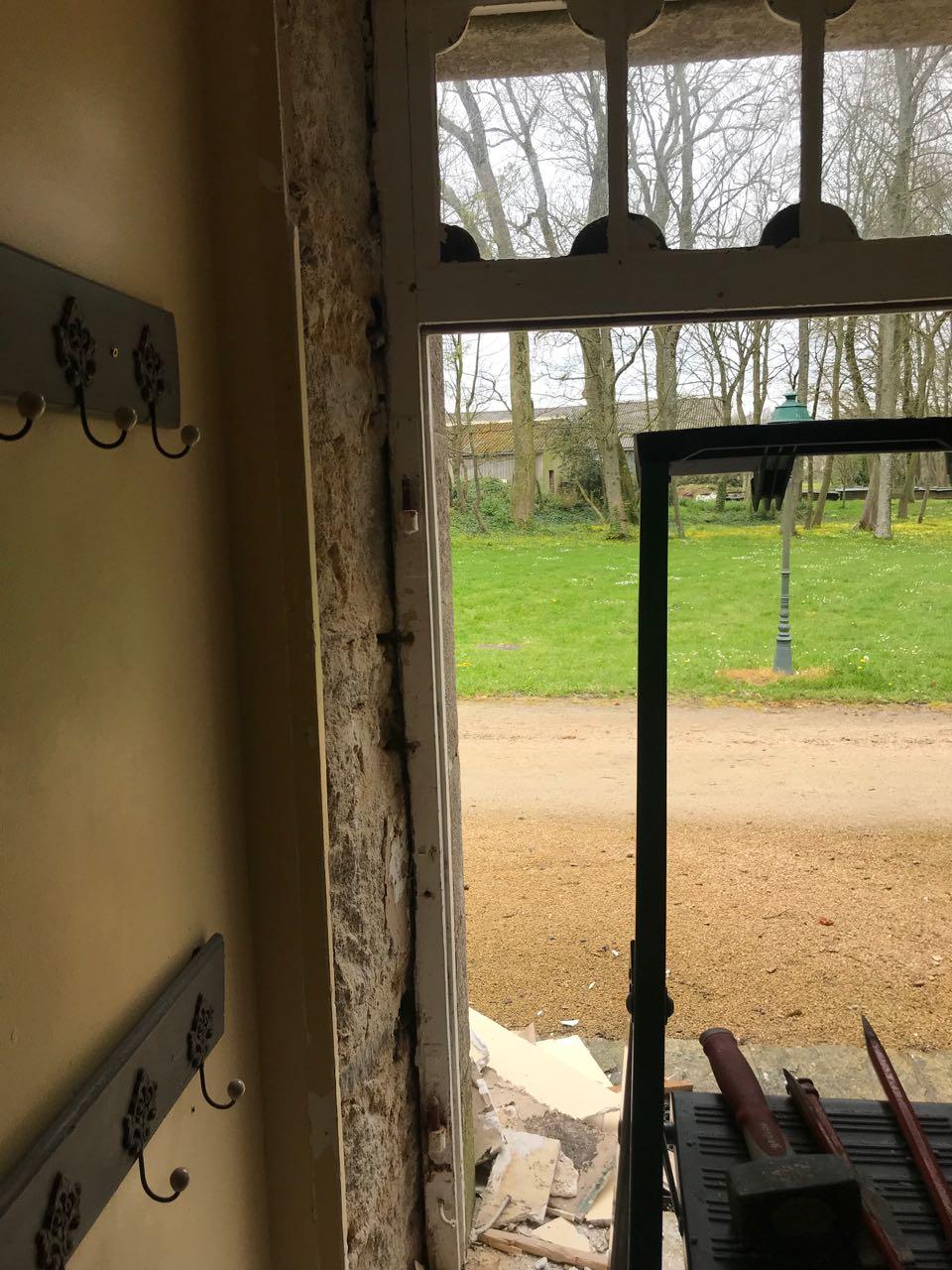 Porte d'entrée vitrée avec  grand cadre - Page 4 Img_4110