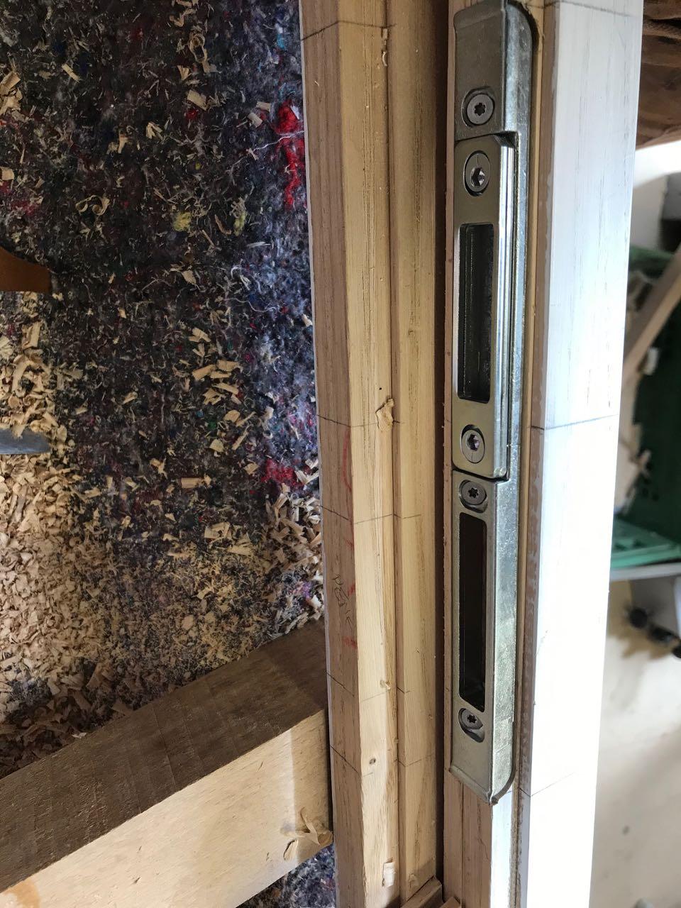 Porte d'entrée vitrée avec  grand cadre - Page 6 Img_4234