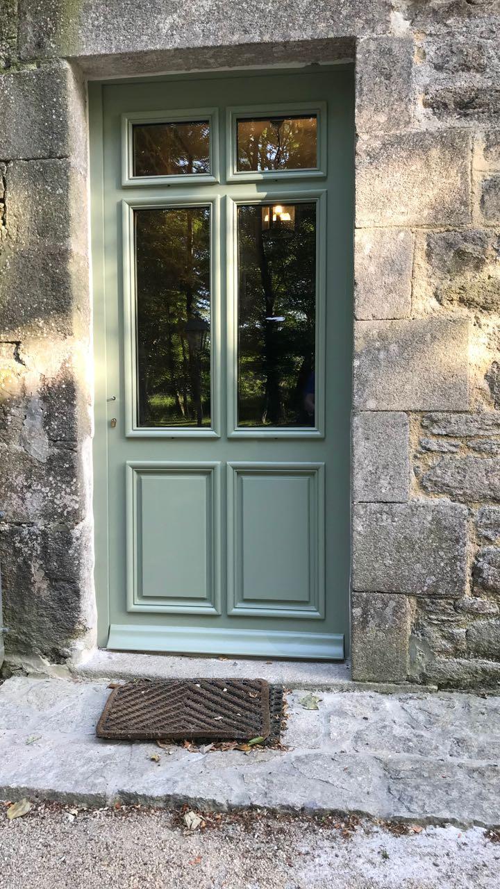 Porte d'entrée vitrée avec  grand cadre - Page 7 Img_4325