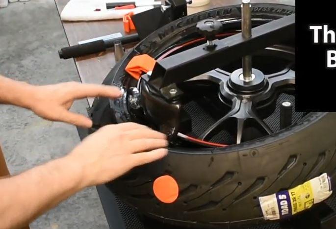 démonte pneu manuel - Page 2 Spacer10