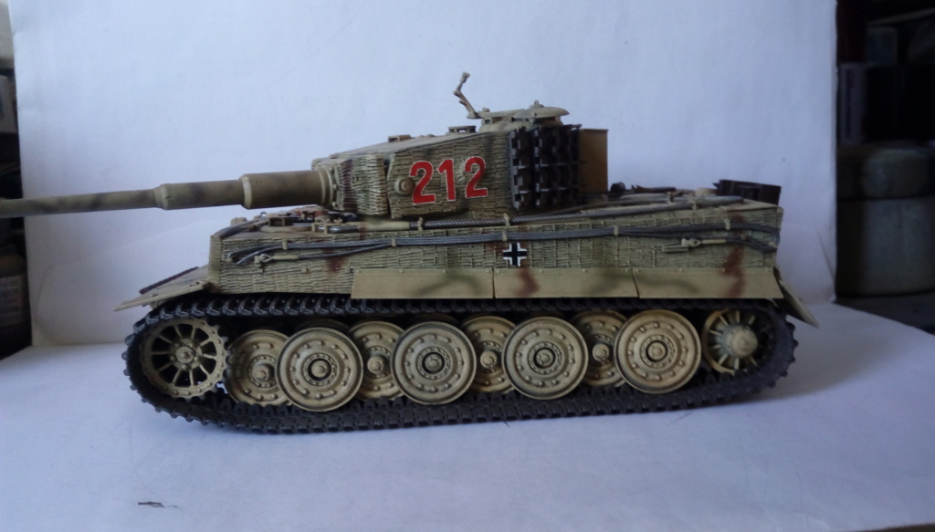 Tigre I Late Production w/Zimmerit Dragon 1/35ième - Page 2 Imag2246