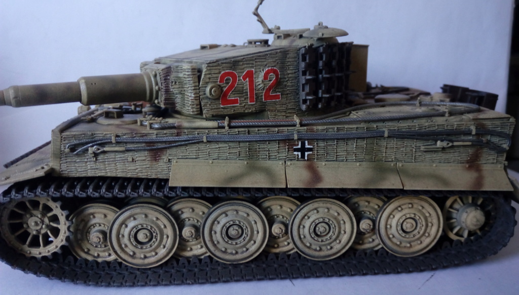 Tigre I Late Production w/Zimmerit Dragon 1/35ième - Page 2 Imag2247