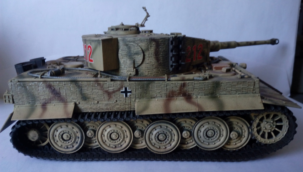 Tigre I Late Production w/Zimmerit Dragon 1/35ième - Page 2 Imag2252