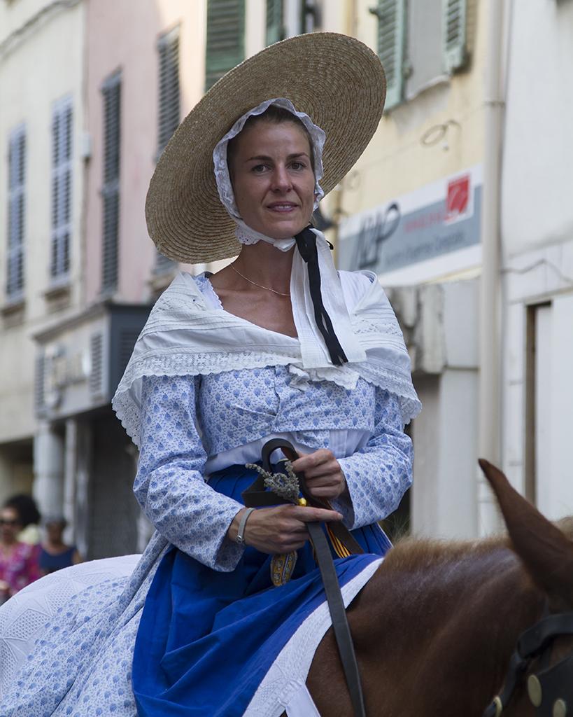 [Rue et Instants de vie] La dame en bleu Aprzos10
