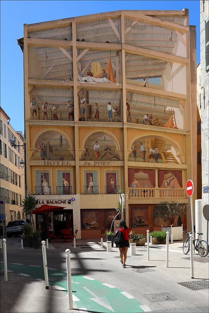 [Instants_de_vie_et_rue] Toulon, L'hôtel du Port Bp1a9420