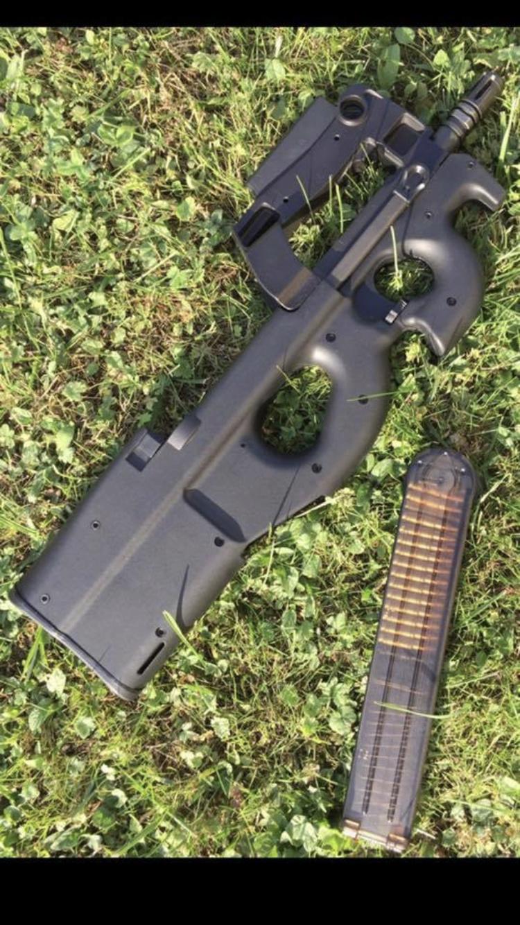 Ps90 et five seven FN HERSTAL quelqu'un possède t'il le fs2000? 7cecbb10