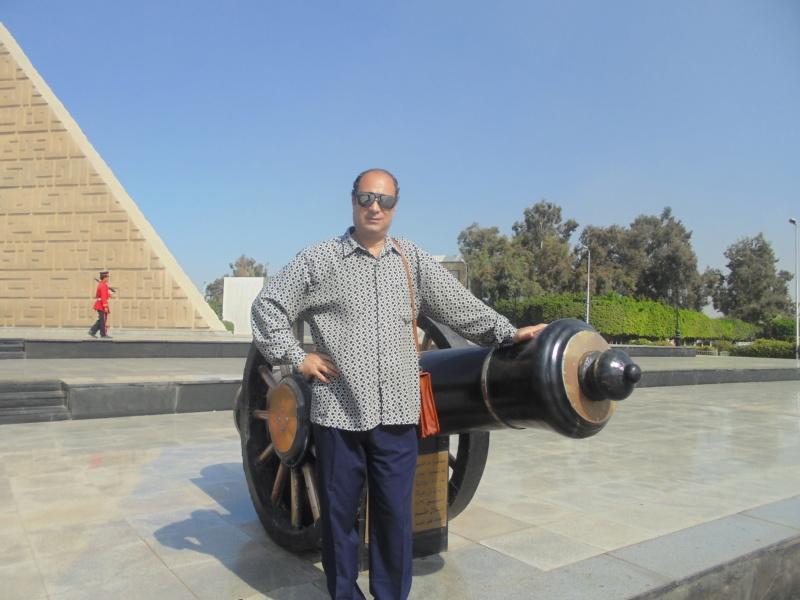 أنا شاعر جماهيري و ليس شاعر النقاد \ أغنية \ مصر يا فخر العرب \ للشاعر \ جمال الشرقاوي \ Dsc01711