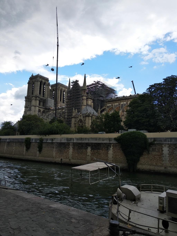 Notre Dame de Paris en flammes  - Page 15 Img_2011