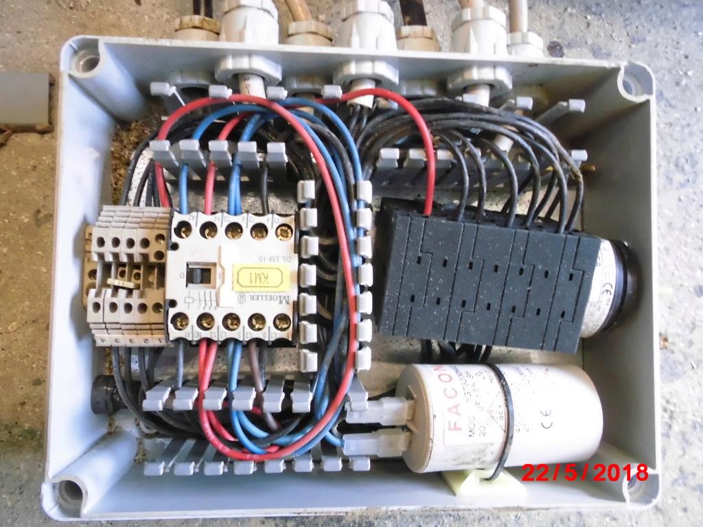 Probleme electrique, de nouveau... Cimg2210
