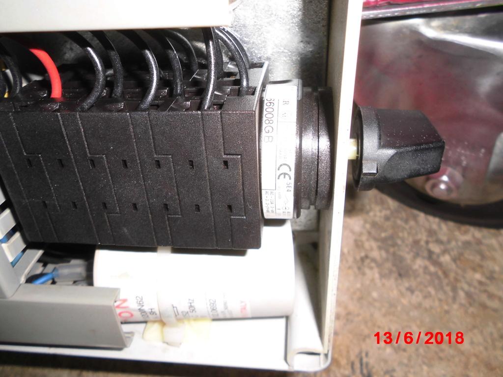 Probleme electrique, de nouveau... Cimg2411