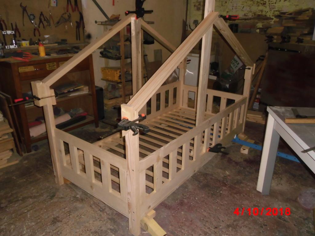 Petit lit cabane Cimg2812