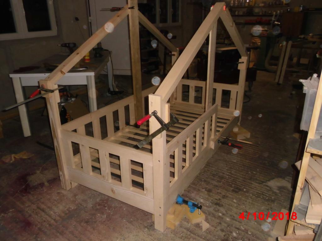 Petit lit cabane Cimg2815