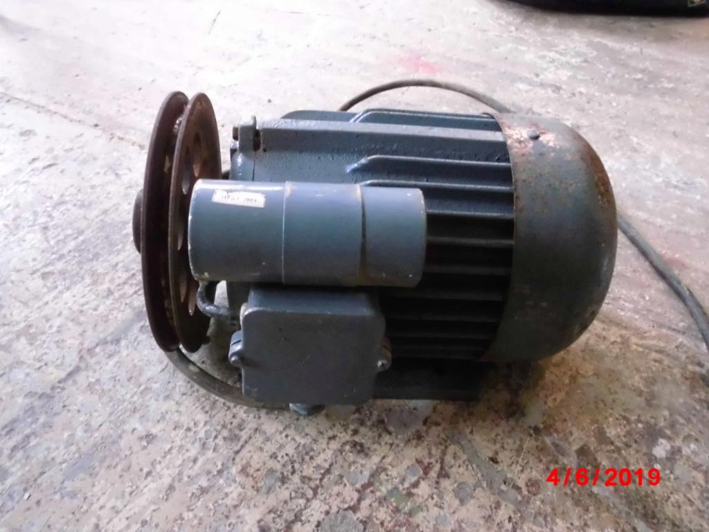 moteur monophasé 1 cheval ( 0.75 kw )  Cimg3338