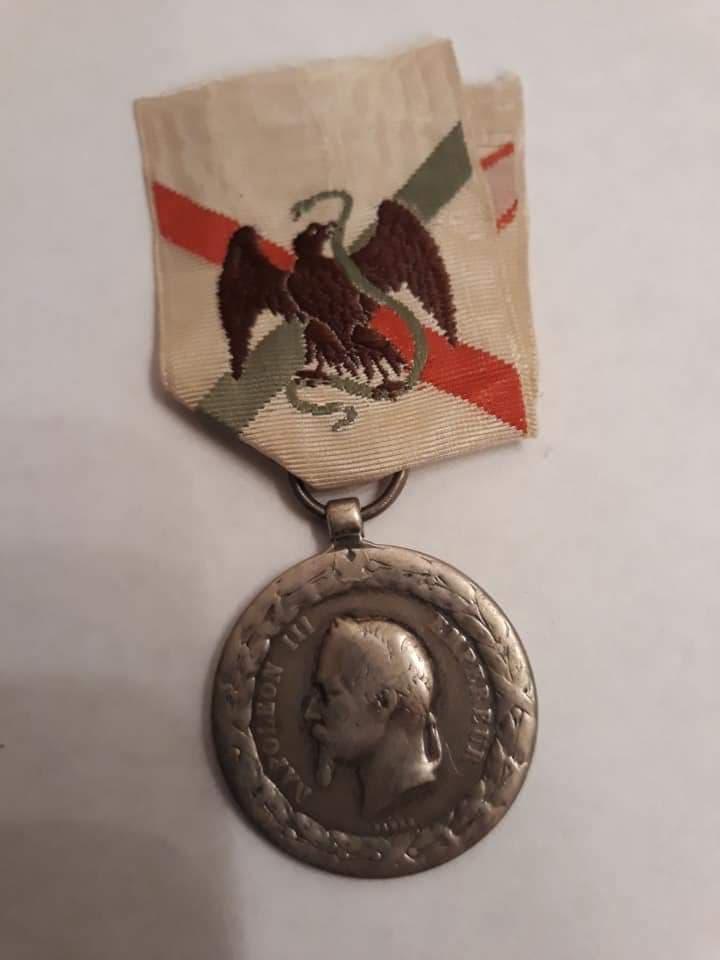 Médaille 42360710
