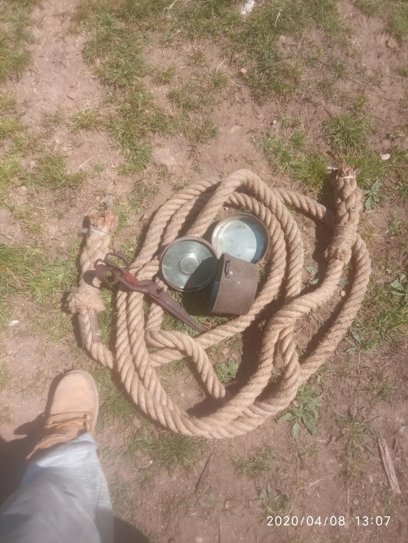 Gamelle, corde et ciseaux Img_2057
