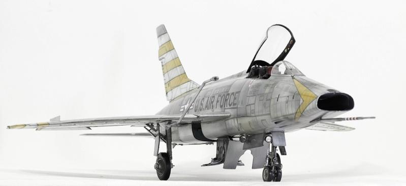 F-100D Super Sabre Trumpeter 1/32. 1-110