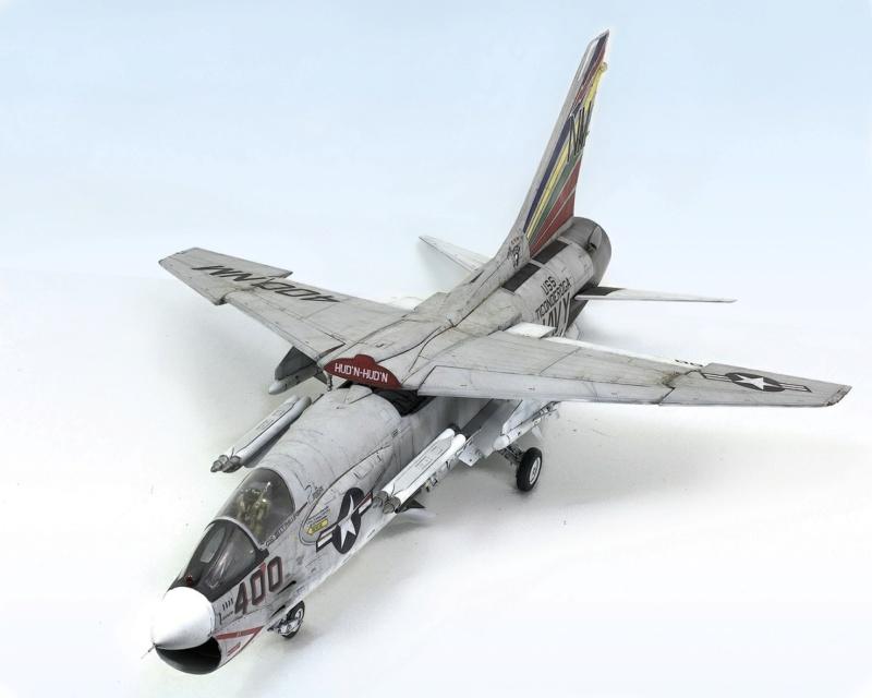 F-8E CRUSADER TRUMPETER 1/32 1240