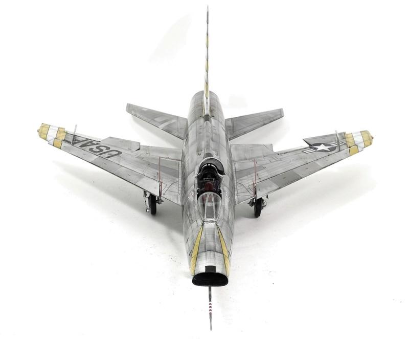 F-100D Super Sabre Trumpeter 1/32. 13-110