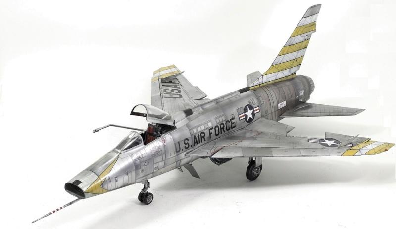F-100D Super Sabre Trumpeter 1/32. 14-110