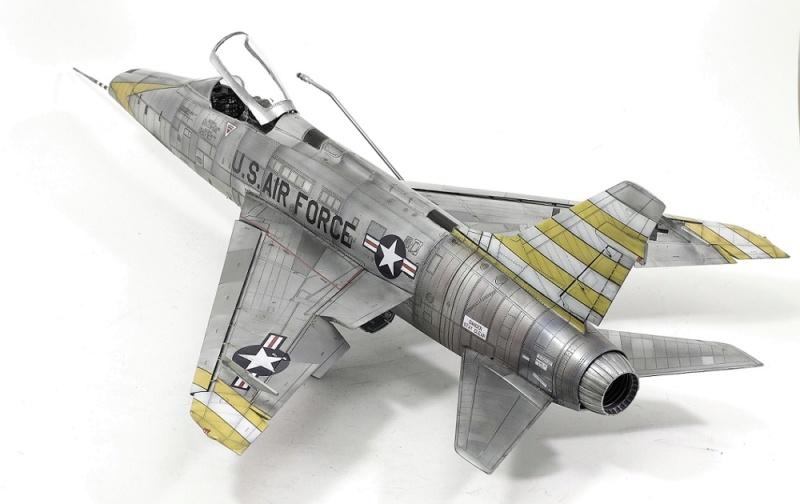F-100D Super Sabre Trumpeter 1/32. 15-110