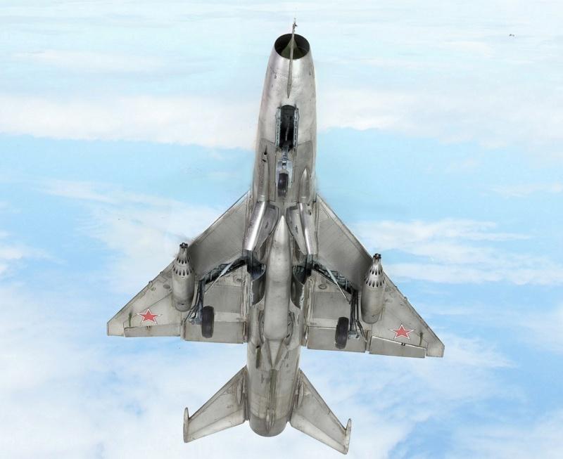МИГ-21 Ф-13. Трумпетер 1/32. - Страница 2 1712