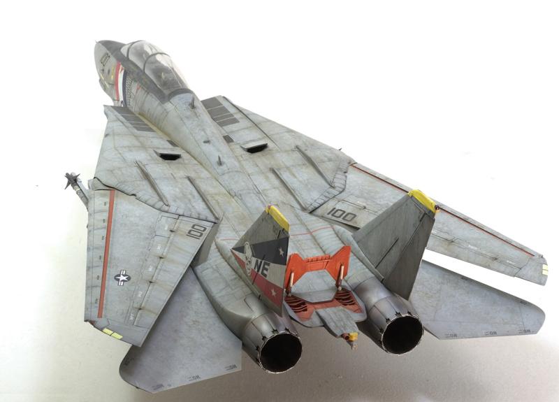 Grumman F-14D Super Tomcat. Trumpeter 03203. 1/32. 1723