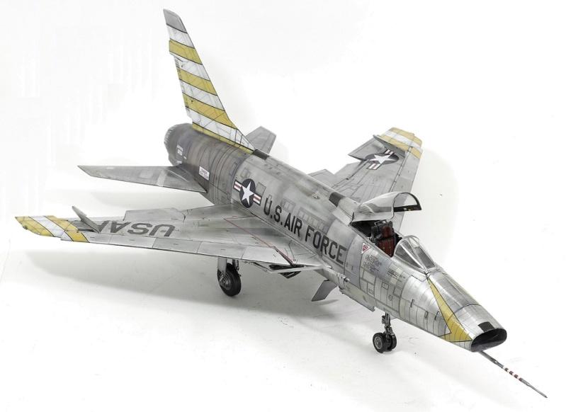F-100D Super Sabre Trumpeter 1/32. 18-110