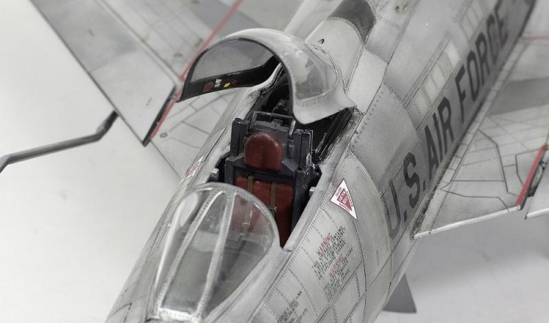 F-100D Super Sabre Trumpeter 1/32. 19-110