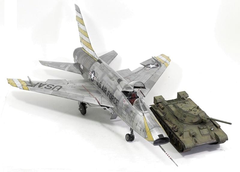 F-100D Super Sabre Trumpeter 1/32. 24-110