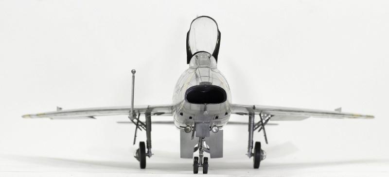 F-100D Super Sabre Trumpeter 1/32. 3-110