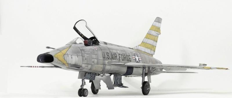 F-100D Super Sabre Trumpeter 1/32. 4-110