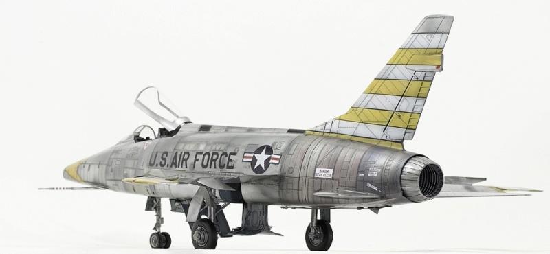 F-100D Super Sabre Trumpeter 1/32. 7-110
