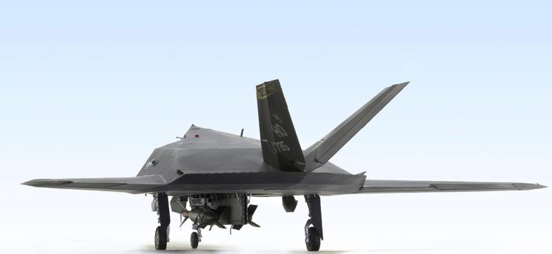 Lockheed F-117 Nighthawk. Trumpeter 1/32. 735