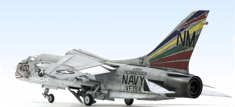 F-8E CRUSADER TRUMPETER 1/32 742