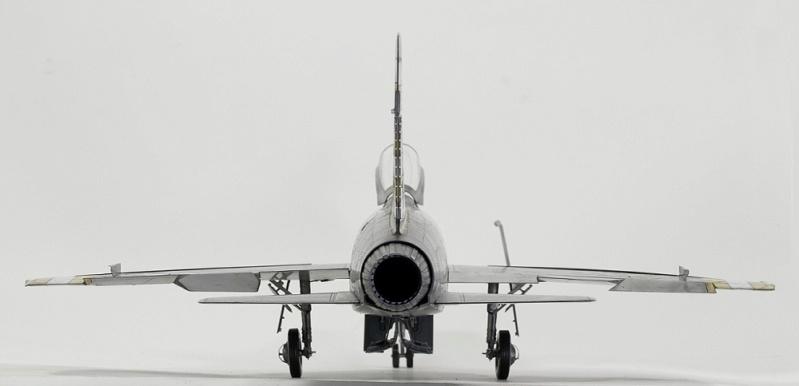 F-100D Super Sabre Trumpeter 1/32. 8-110