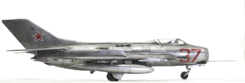 МИГ-19С. Трумпетер 1/32. 810