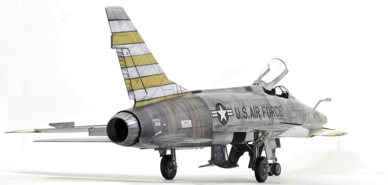 F-100D Super Sabre Trumpeter 1/32. 9-110