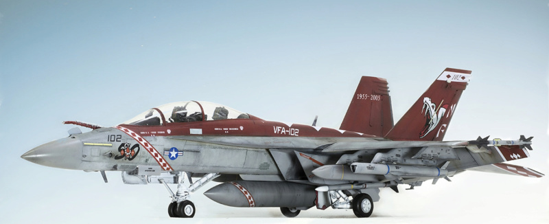 Boeing  F/A-18F Super Hornet Trumpeter 1/32 03205 - Страница 2 927