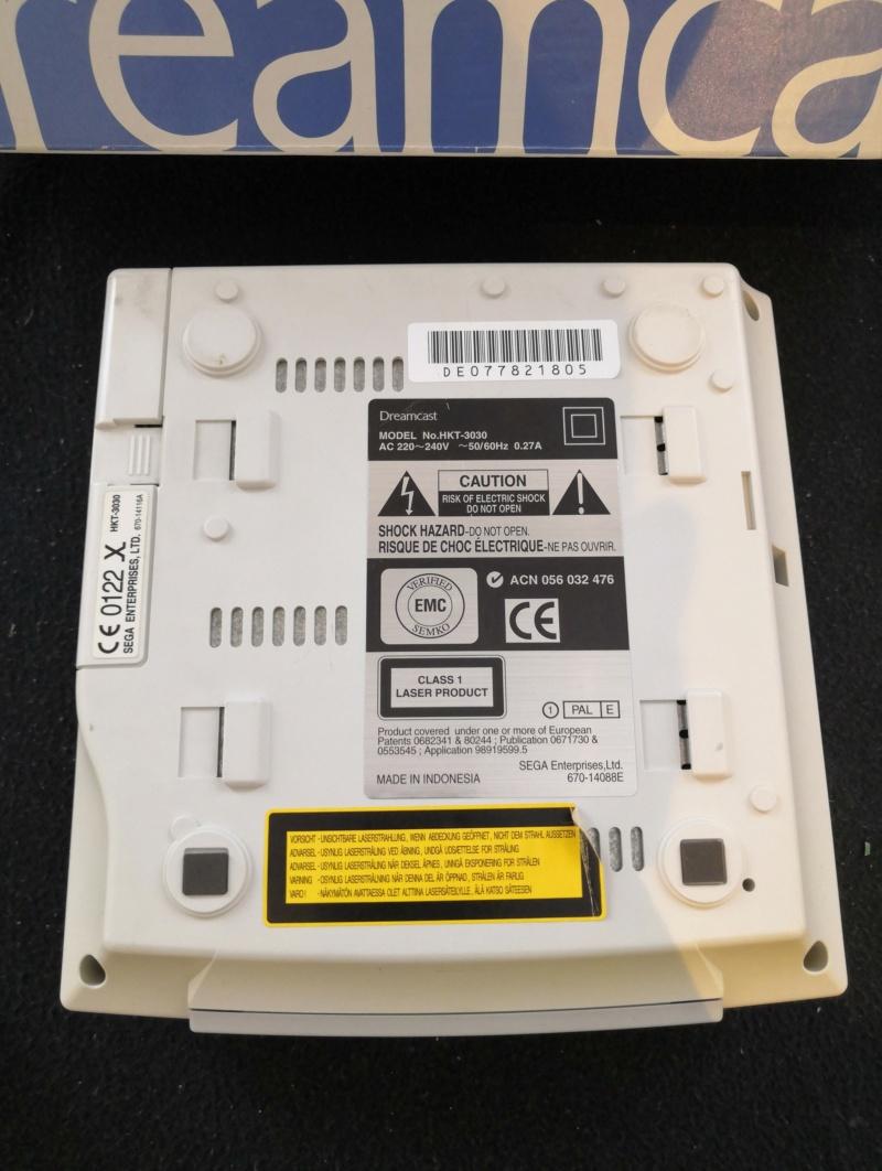 [A Vendre] Dreamcast: Console en boite, Jeux, Manettes et accessoires etc Img_2188