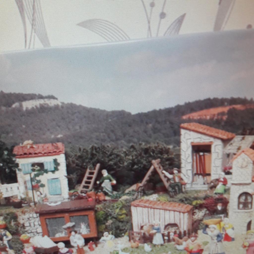 Mon petit village provençal 2017 (Thérèsa) 04210