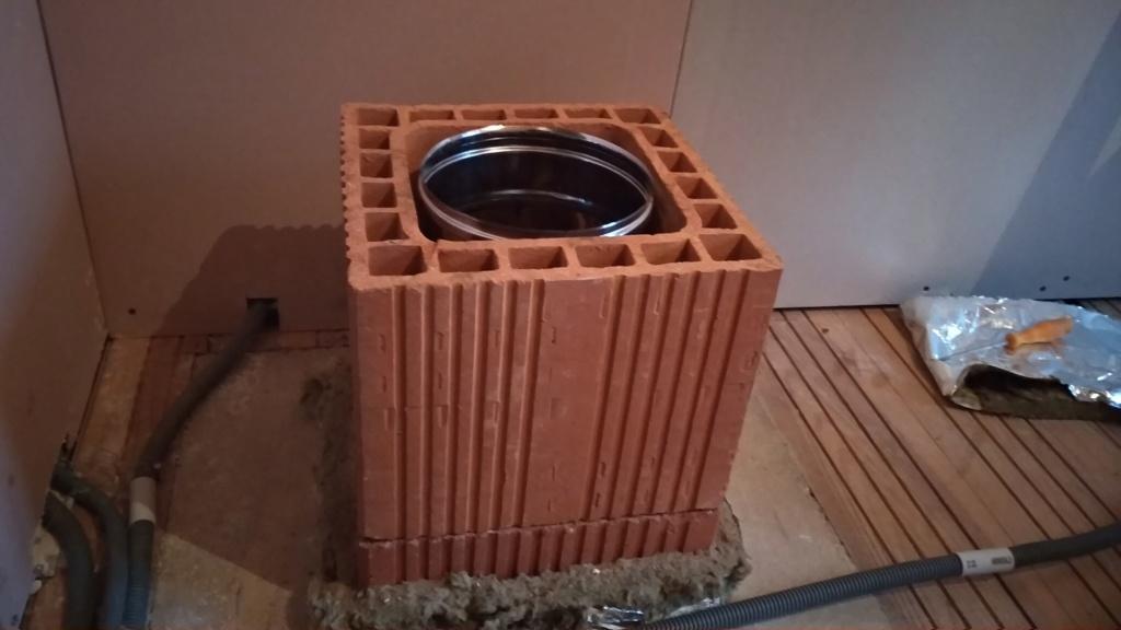 ventilation espace entre gaine et boisseau et RT2012 -> étanchéité ?? Img_2013