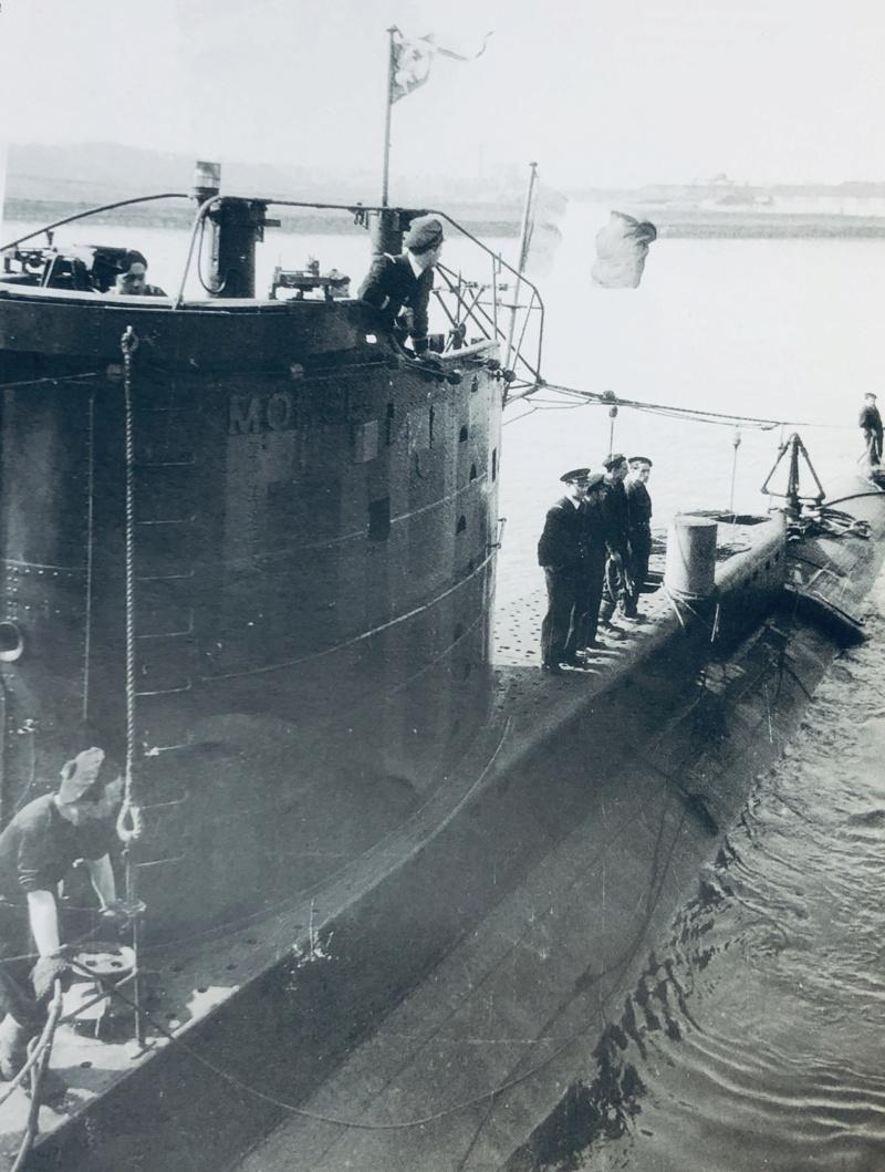 2 sous-marins FNFL le CURIE et la MORSE au 1/400 ème base Mirage + scratch 3_img_13