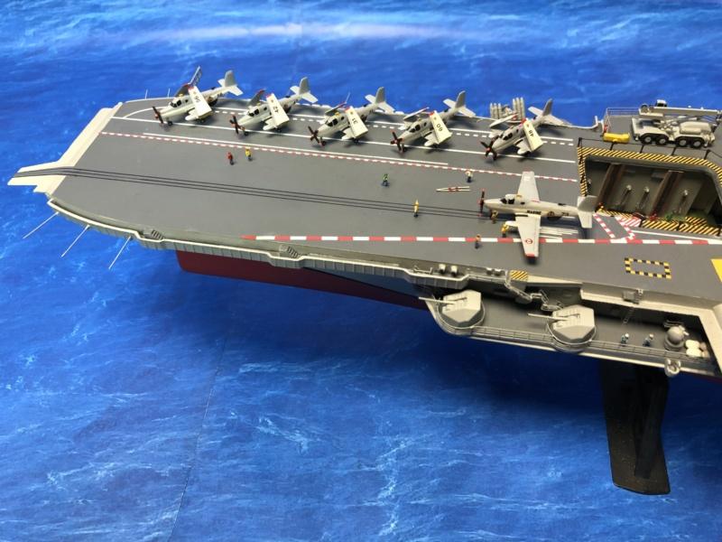 Porte-avions CLEMENCEAU - 1/400ème base Heller + scratch + PE Clemen38