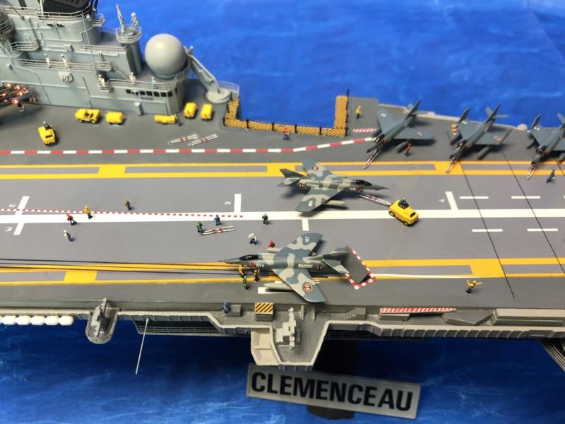 Porte-avions CLEMENCEAU - 1/400ème base Heller + scratch + PE Clemen40