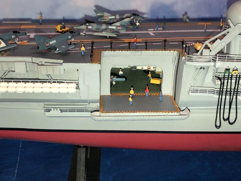 Porte-avions CLEMENCEAU - 1/400ème base Heller + scratch + PE Clemen42